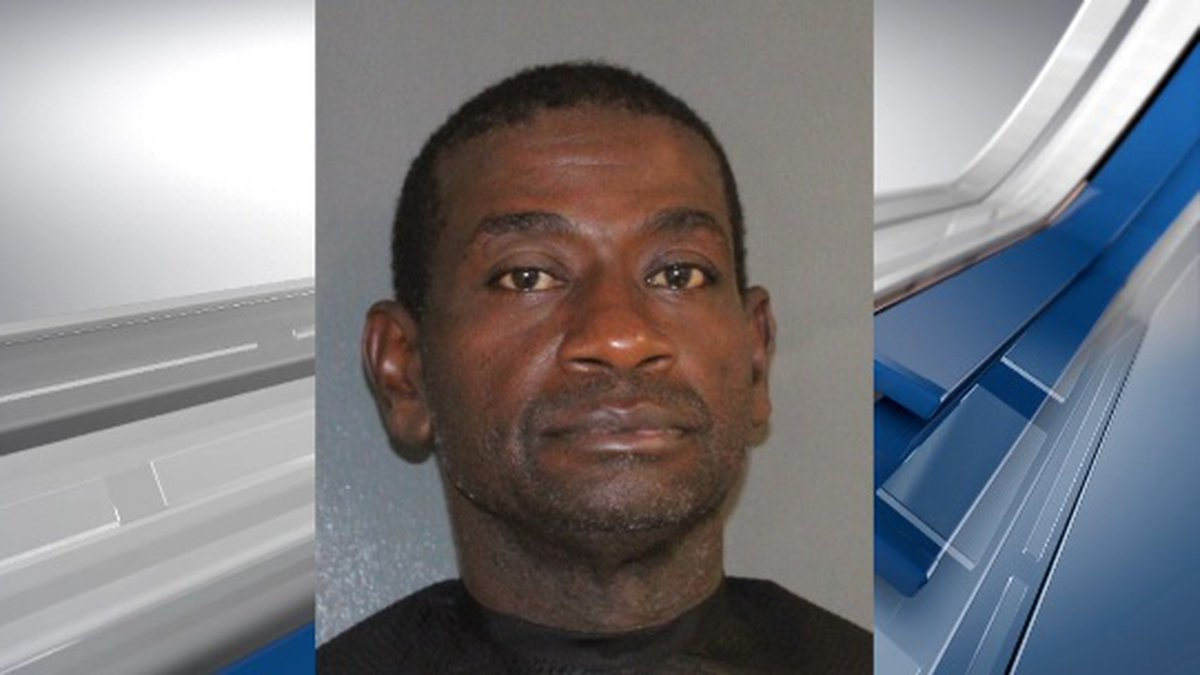 Jarvis Craig Simon allegedly confessed to the murder of his girlfriend on Monday, according to...