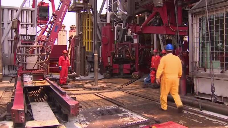 Oil industry expert on what negative oil prices means