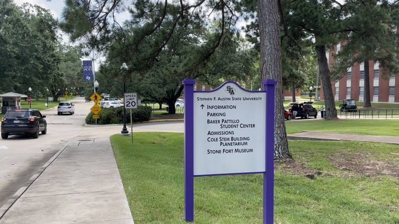 Students move in to start upcoming school at Stephen F Austin University