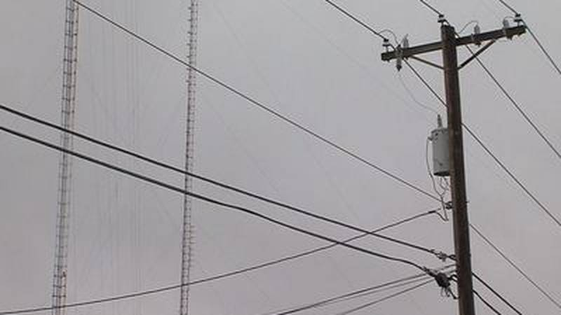 Rusk County sheriff: Man climbs power pole looking for copper, gets shocked