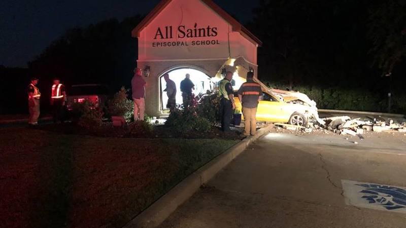 Tyler police investigate crash after driver fled the scene