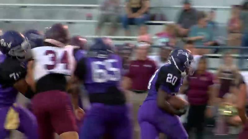 WATCH: Lufkin's Javorie Garrett find an opening in Magnolia West defense to make touchdown