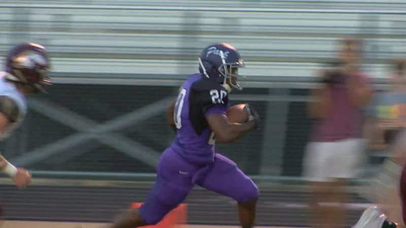 Javorie Garrett runs for a Lufkin touchdown against Magnolia West (KTRE Sports)