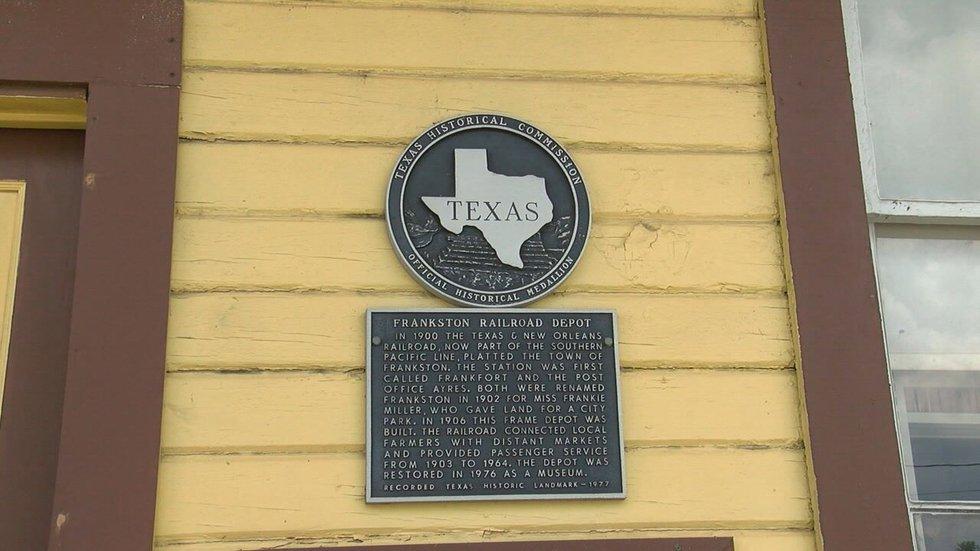 Historical marker for the Frankston Railroad Depot.