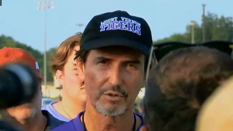 Mount Vernon ISD Coach Art Briles at press conference (Source: KLTV Sports)