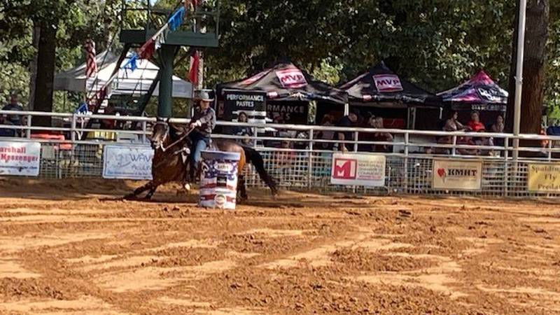 Barrel racing competition
