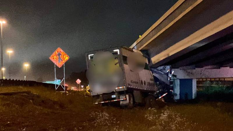 According to the Texarkana Texas Police department, big rig was the only vehicle involved. It...