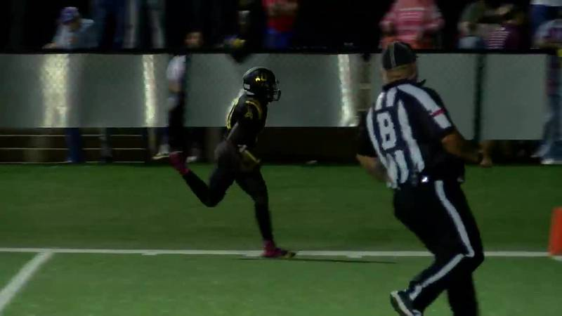 WATCH: Timpson's Terry Bussey carries the ball down the sideline for touchdown