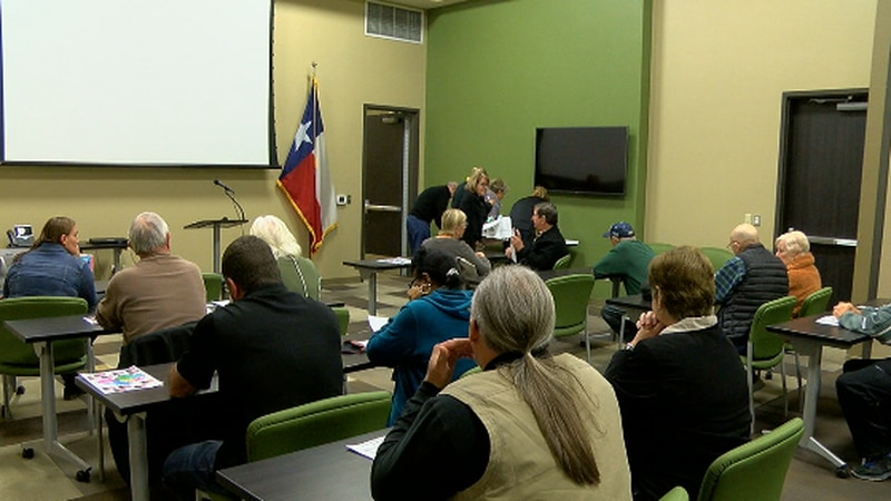 Tyler PD hold meeting