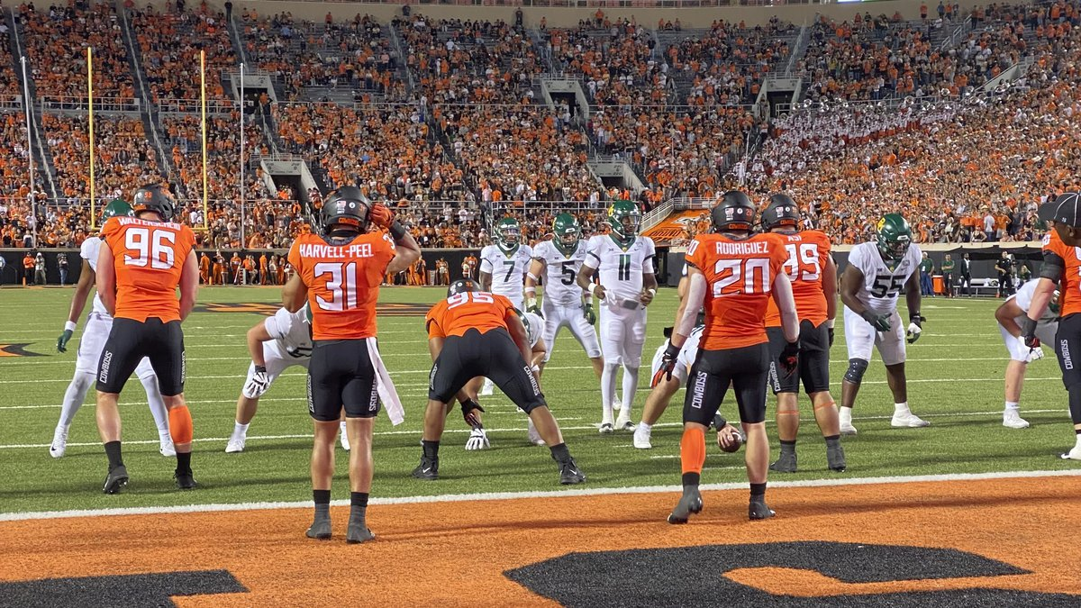 Baylor's offense lines up before Quarterback Gerry Bohanon scores on a QB Sneak against...