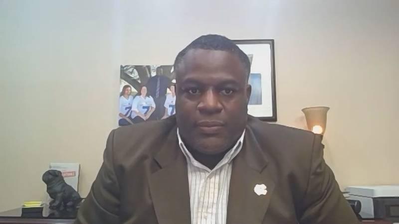 Superintendent Lamond Dean