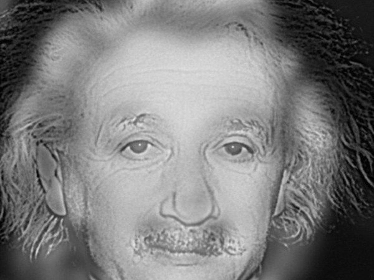 Marilyn Monroe sau Albert Einstein? Depinde Vedeţi aici dacă suferiţi de miopie