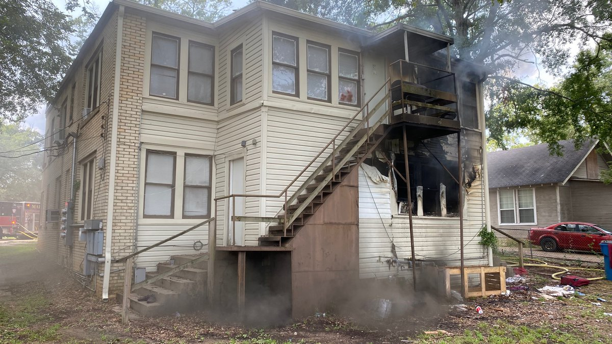 Several people displaced after fire in Marshall quadplex