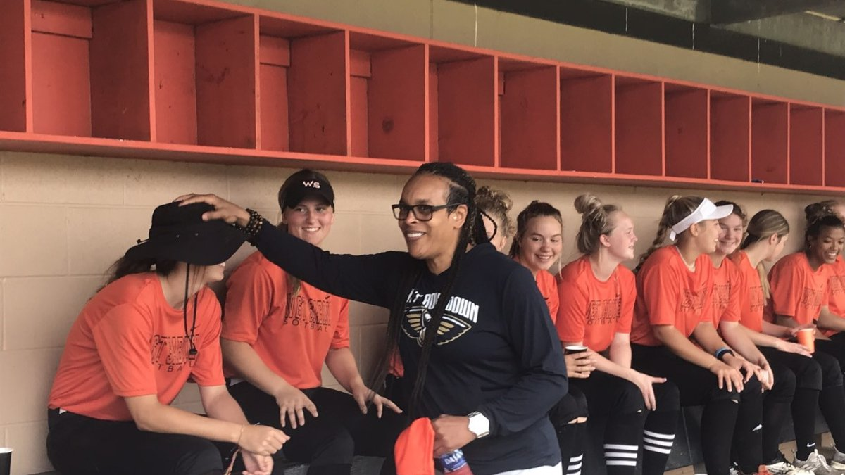 WNBA legend Teressa Weatherspoon brings inspiration to West Sabine Softball team.