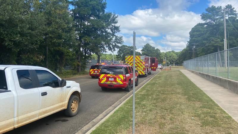 Gas leak at Pine Tree Junior High