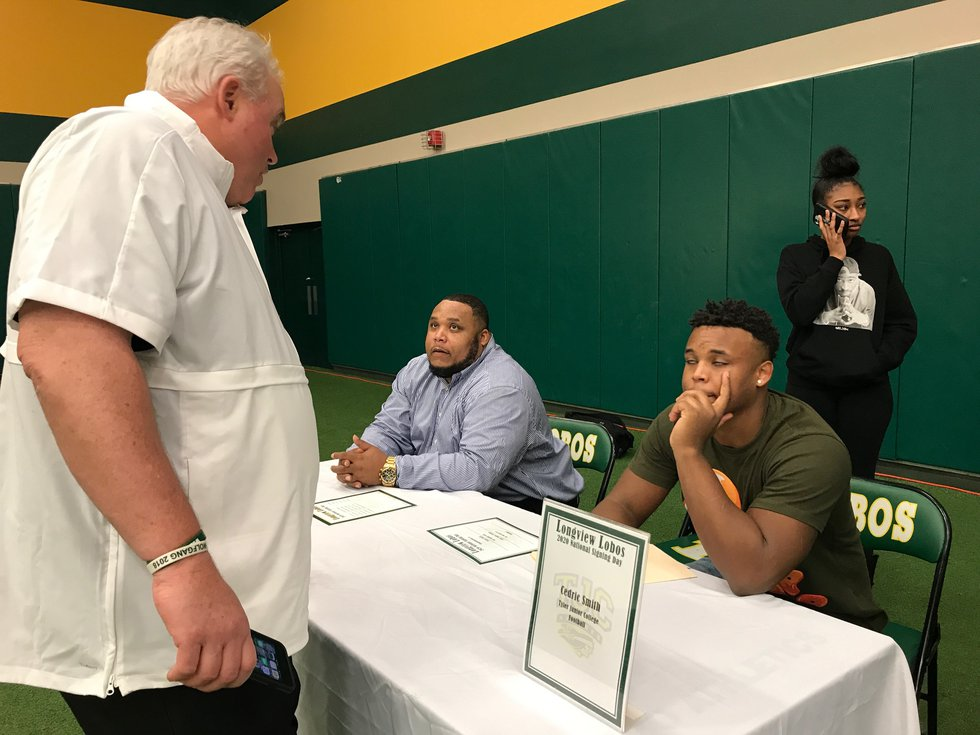 Longview's Cedric Smith signed with Tyler Junior College. (Source: KLTV Staff)