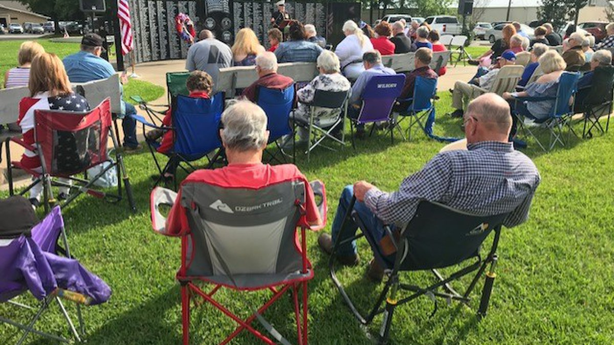 Kilgore residents gathered Monday morning to honor fallen heroes.