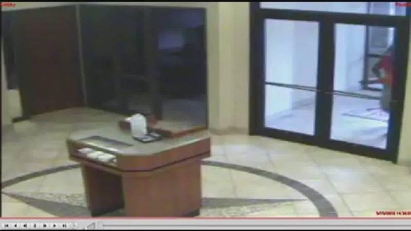 WATCH: Police release video of Longview robbery