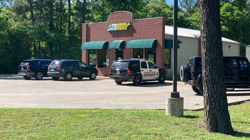 The Subway restaurant in Hudson was robbed at gunpoint Saturday afternoon. (Source: KTRE Staff)