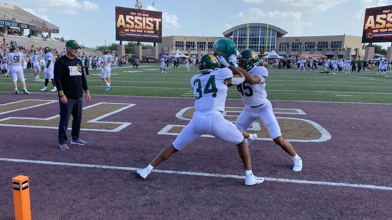 Baylor warms up ahead of its 2021 season opener against Texas State
