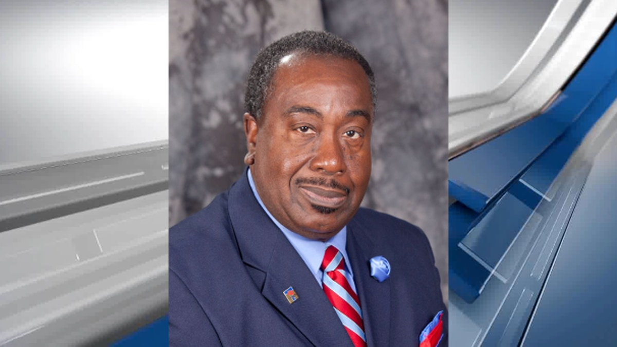 A native of Tyler, former city council member Ed Moore died Monday.