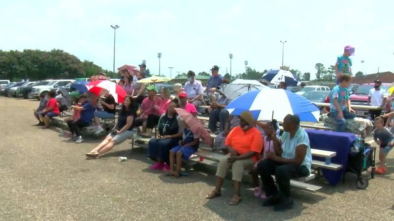 Tylerites watching Harvey Hall demo