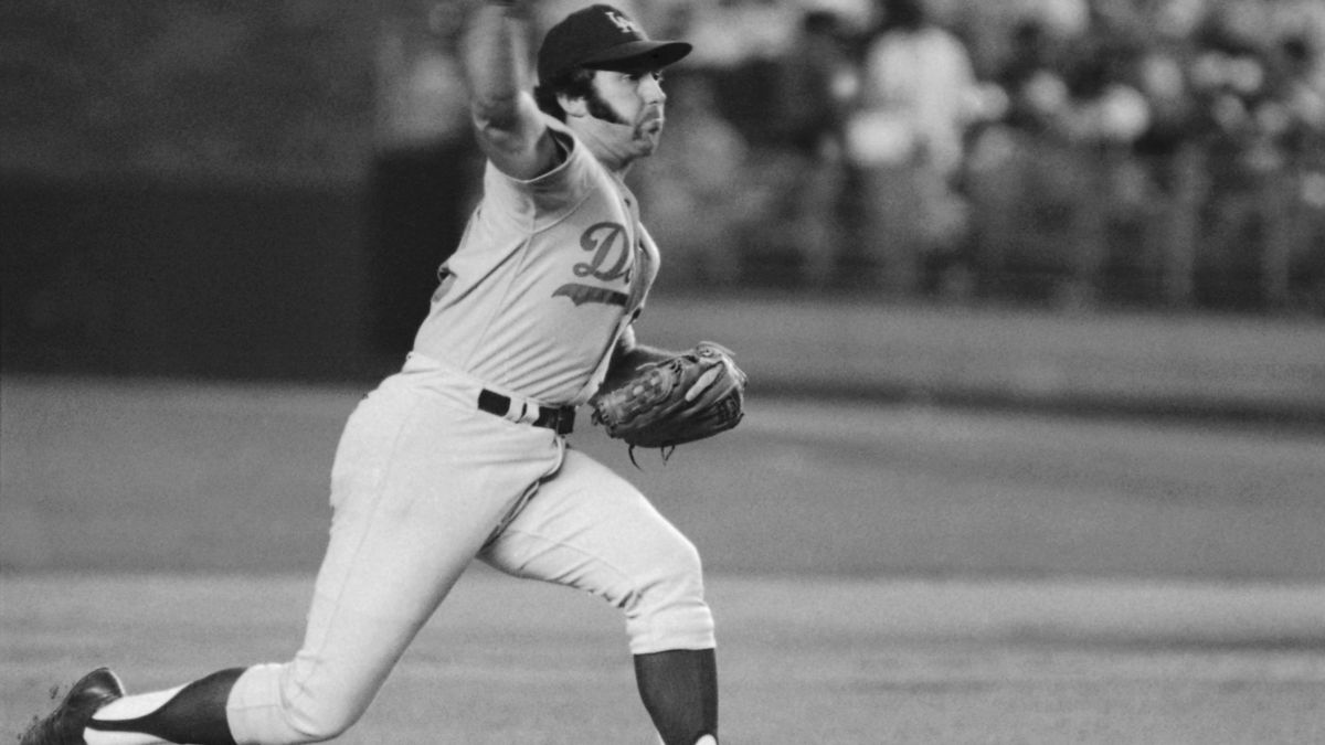 In this August 1974 file photo, Los Angeles Dodgers pitcher Mike Marshall throws to a New York...
