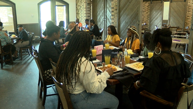 This weekend current and past girls gathered for brunch at Lago del Pino to talk, inspire, and...