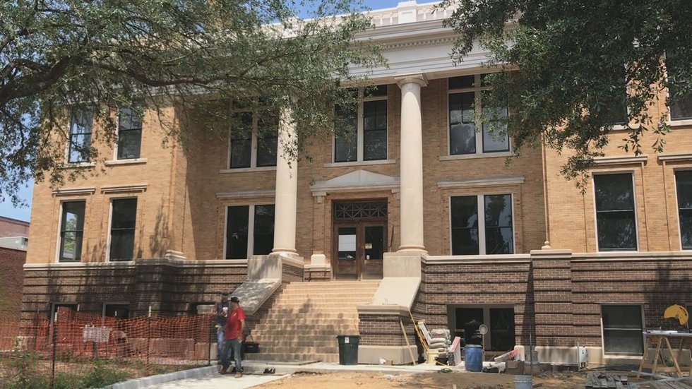 The Marion County Courthouse is undergoing renovations.