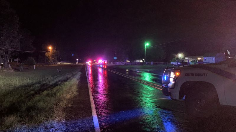 Smith County deputy blocks traffic on both directions of Hwy 110 as officials investigate scene...