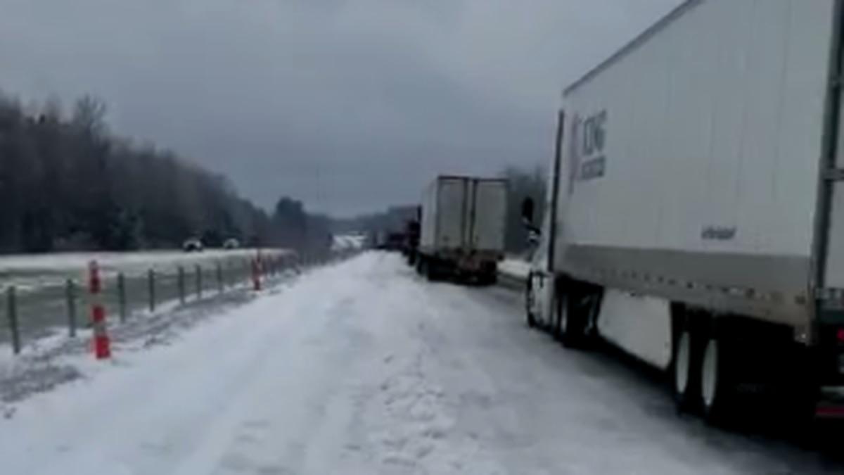 Many truck drivers are stuck on I-20 W near Ruston.