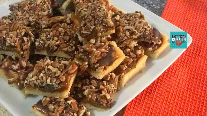 Turtle cookie bars by Mama Steph