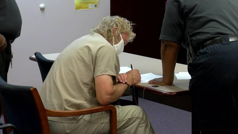 South Carolina lawyer Alex Murdaugh is released on $20,000 bail.
