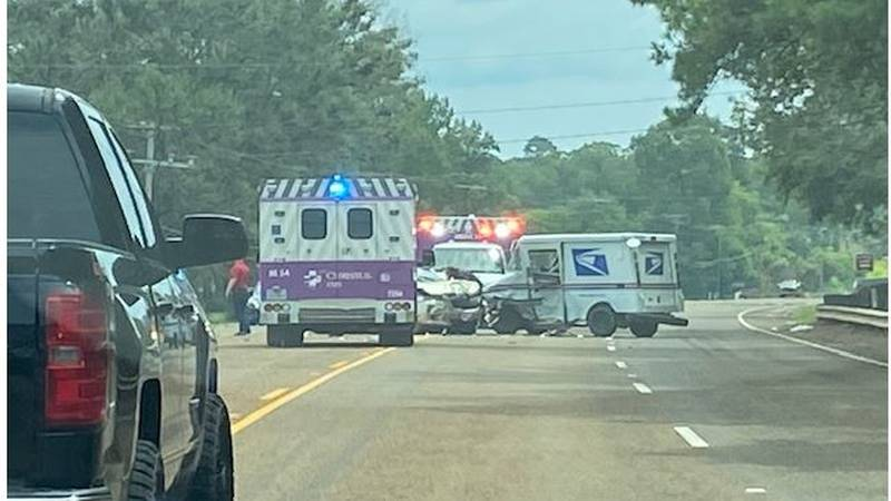 Traffic is down to one lane on SH 64 in Rusk County due to a two-vehicle wreck. (Source: KLTV...